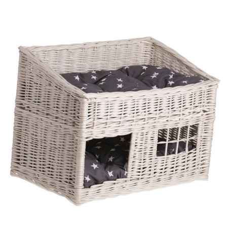 WICKER HOUSE FOR A CAT